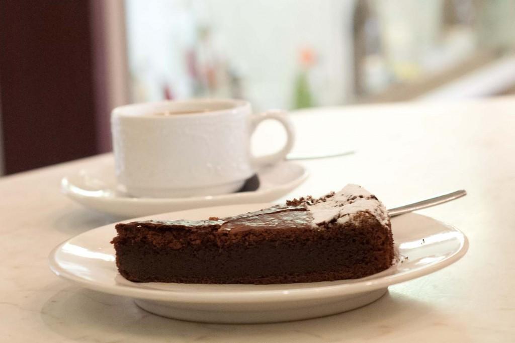 französische Tarte au Chocolat, mit saftiger Mitte